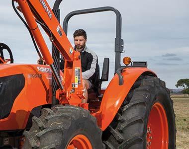comfort7 Kubota M6040/M7040/M8540/M9540 Series Diesel Tractors - 60 - 95 HP Kubota M7040