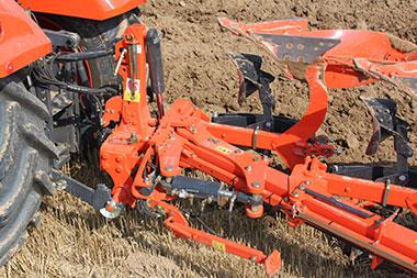 Unique frame robustness 1 Kubota RM3005V SERIES Plough Cultivator