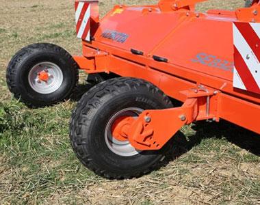 Wheels Kubota SE8000 SERIES Mulcher Cultivator