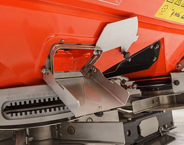dsm ft standard optional equipment Kubota DSM-W ISO GEO SERIES Medium Spreader