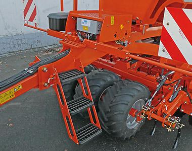 sc series ft front wheel packer Kubota SC SERIES Combination Seeders